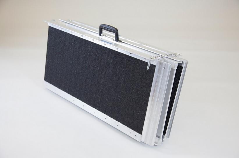 Rampe valise pliable en quatre 122 cm 1