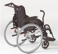 Fauteuil roulant Invacare Action 4 NG levier pendulaire