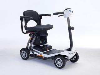 Scooter pliant Invacare Scorpius Automatique avec sac sous assis