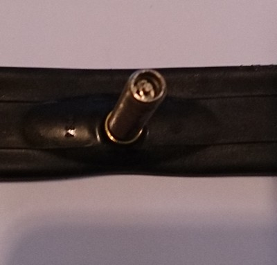 Chambre a air 26 pouces valve droite metallique